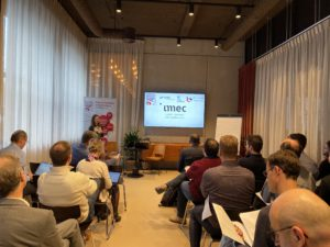 Participants in a SmartCities.Vlaanderen workshop hear about the OpenStad project from imec